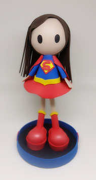 Zoé disfrazada de Super girl