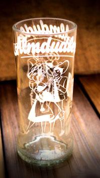 Trinkglas aus Kräuterlimo-Flasche