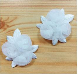 Sticker in Blütenform in weiß, Annähen und Aufbügeln, ca. 6,5 cm, 2-er Set