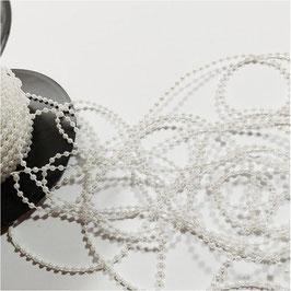 5 Meter, Zierliche Perlenkette aus Kunststoff, Farbe perlweiß, 3 mm