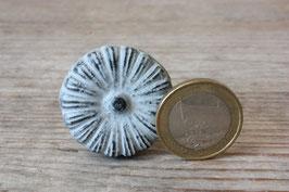1 kleiner Möbelgriff grau Shabby Streifen / small drawer knob grey stripes