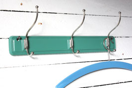 Kleine Garderobe grün New Old Stock mit 3 Haken Vintage / small coat rack green wall hooks