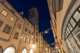 Wahlenstraße mit Goldenem Turm zur Weihnachtszeit