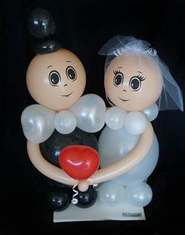 kleines Luftballon-Brautpaar mit Herz