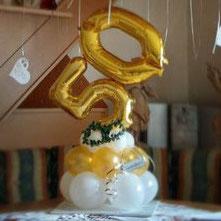 Zahl 50 auf Ballonsockel