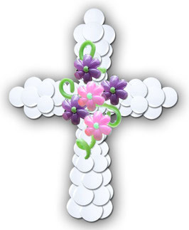 großes Luftballon-Kreuz mit Blumen für Kommunion Firmung Jugendweihe