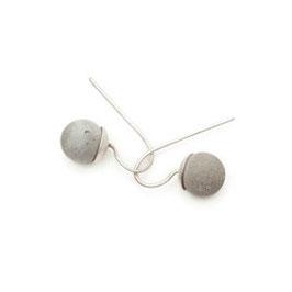 Ohrringe mit kleiner Betonperle