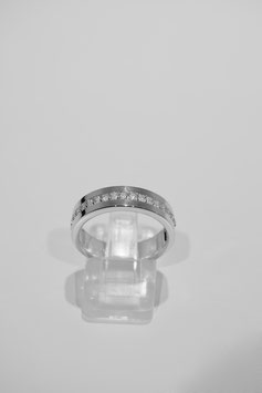 Ring with stone #16