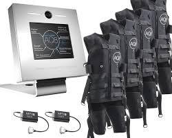 Kabelloses EMS-System von AQ8 für zwei User mit 4 EMS-Anzügen und Basis-Station. Ausbaubar auf bis zu 8 User.