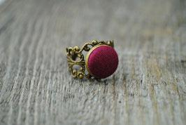 Vintage Ring Fuchsia
