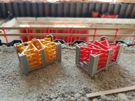 Gerüstkonsolen für Rahmenschalung, Betoniergerüst, Concrete Scaffolding in Yellow and Red  1:50!
