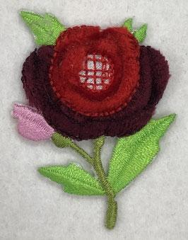 Roosje rood met roze knop en groene blaadjes applicatie