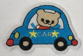 Blauwe auto met een beertje