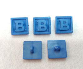Vierkante knoopjes met de letter B 5X