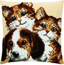 2 Kittens en 1 pup kruissteek borduurkussen