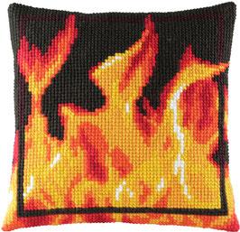 Kruissteek borduurkussen met vlammen