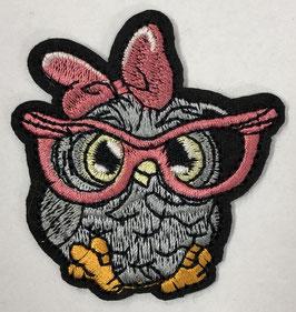 Uiltje met een roze bril en strik applicatie