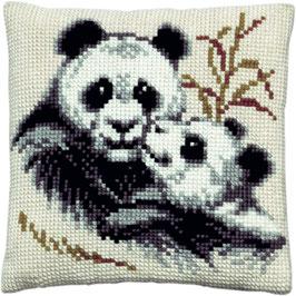 Panda met jong kruissteek borduurkussen