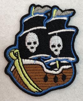 Piratenboot met skulls op de zeilen applicatie