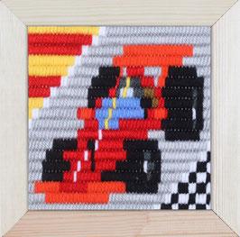 Korte platsteek borduurpakket van een raceauto