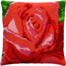 Roos kruissteek borduurkussen