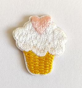 Cupcake met een roze hartje applicatie zelfklevend