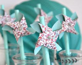 """pailles bleu vert menthe vert d'eau pour table de fête """"Moulin à vent qui tourne en liberty Eloise pastel"""""""