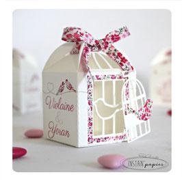 Boite mariage forme cage avec ruban liberty Phoebe rose rouge - découpe au choix