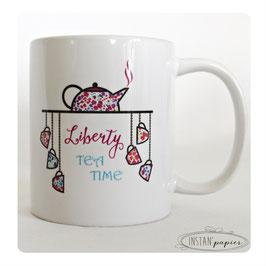 """MUG prénom à personnaliser """"Liberty tea time : théière et tasses suspendues avec motifs variés de liberty PHOEBE"""