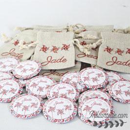 Lot de magnets avec pochettes en lin personnalsiées pour remercier vos invités - moulins à vent en liberty Wiltshire pois de senteur