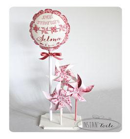 ballon personnalisé et 3 moulins à vent en liberty aquarelle rose pour décoration