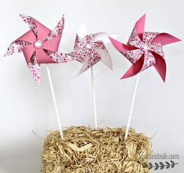 3 grands moulins à vent qui tournent en liberty Phoebe rose rouge pour décoration de table