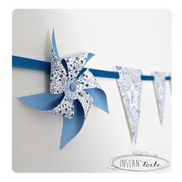 Guirlande personnalisée avec fanions en liberty Etoiles bleues et moulins à vent : lettre sur étoile blanche