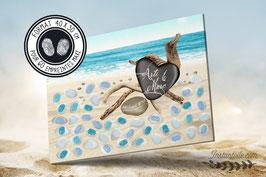 """Tableau à empreintes """"bois flotté et galets sur plage de sable fin"""""""