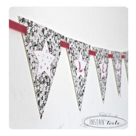 Guirlande personnalisée avec fanions en liberty mitis gris rose : étoiles