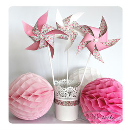 3 grands moulins à vent qui tournent en liberty Éloïse rose pour décoration de table