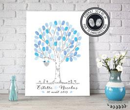 Arbre à empreintes : 2 oiseaux sur nid de brindilles en coeur et initiales des mariés gravées sur le tronc - style crayonné main