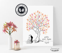 Arbre à empreintes : mariés s'embrassant et pancarte avec initiales en dessin au fusain - livre d'or mariage chic et champêtre