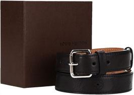 Louis Vuitton Gürtel aus geschmeidigem, schwarzem Leder in Größe 110 mit Schließe aus silberfarbenem Metall