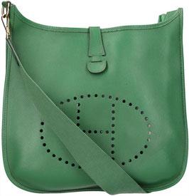 Hermès Evelyne I GM aus Courchevel Leder in Vert Clair Grün