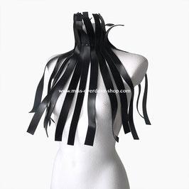 'Avantgarde' collar