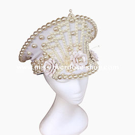 'Pearlesque' officer hat
