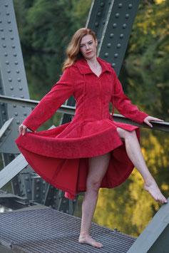 Damenmantel tailliert Babycord mit Kapuze rot