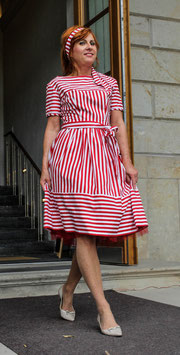 Kleid Streifen rot weiß 50er Jahre Stil Kara