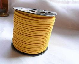 SIMILI CUIR lacet/liens fil façon daim, plat 1.5 x 3 mm, jaune
