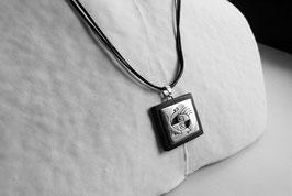 """Collier collection """"INCA""""  mixte,  repercé """"poule?"""", symbole inca,  argent MASSIF et BOIS, ebene"""