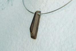 """Collier """"pyramide de Wenge"""" sculpté, sur cable acier brillant, bois precieux et argent massif"""
