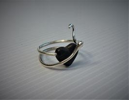 bague unique, cœur gothique noir en Ébène et serpents en argent 950,