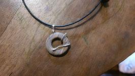 collier mixte gothique donut bois et serpents à droite en argent 950,