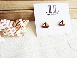 "Segelboot-Ohrringe aus Holz ""Golden Breeze"""